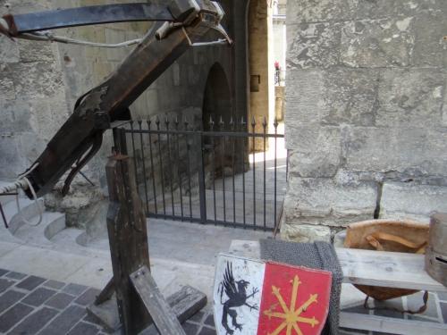 costumes médiévaux,fête médiévale,armures médiévales,armes médiévales,chevaliers