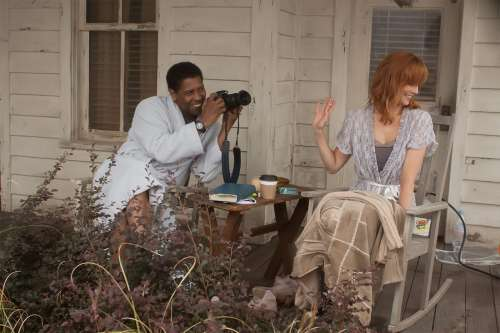 denzel-washington-kelly-reilly-flight.jpg