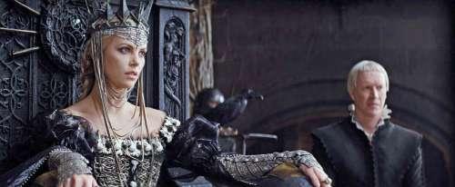 blanche neige et le chasseur,conte,fantastique,fantasy,kristen stewart,charlize theron,chris hemsworth,conte de fée,grimm,reine,princesse